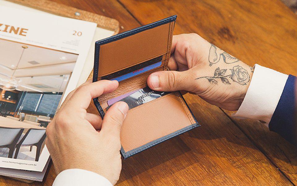 como escolher a carteira masculina