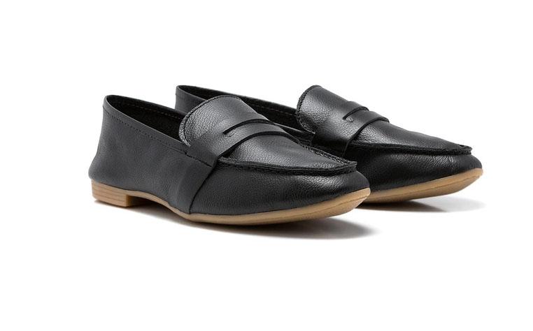 calçados femininos atemporais: mocassim